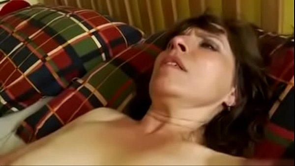 Соло секса с струйным сквирт оргазмом юный податливой шлюхи-блондинки от онанизма